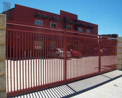 Commercial sliding gate