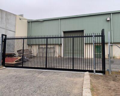 Sliding garrison gate, commercial