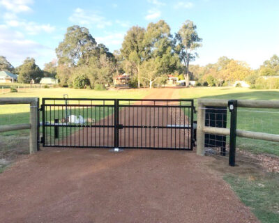 Swing gates, norseman style dual, powder coated black